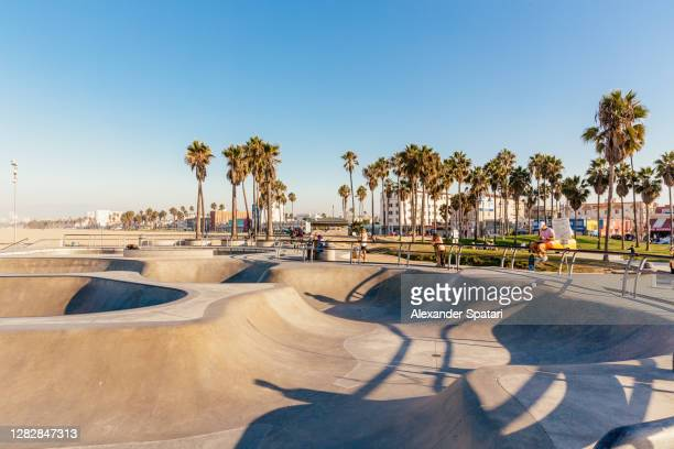 venice skate park, venice beach, los angeles, usa - los angeles stock pictures, royalty-free photos & images