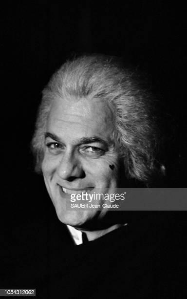Venise Italie septembre 1976 Tournage du film 'Treize femmes pour Casanova' de François Legrand Portrait en gros plan et de troisquarts de l'acteur...