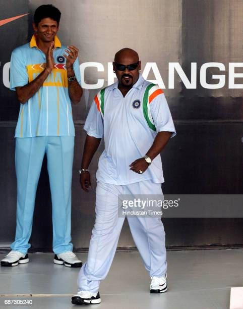 Venkatesh Prasad and Vinod Kambli for the concoction of new Jersy uniforms for Indian players upcoming cricket tour during its launch in Mumbai
