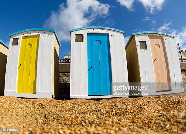 ventnor beach hut glory days - s0ulsurfing stockfoto's en -beelden
