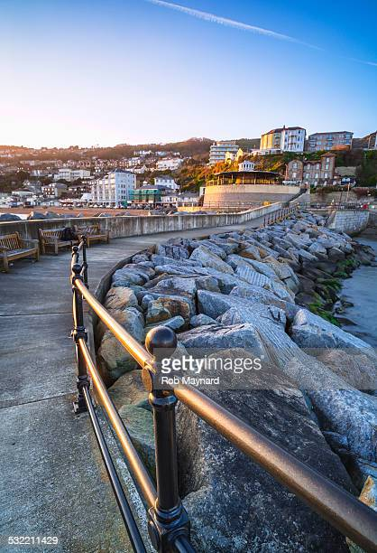 ventnor rocks in harbour, isle of wight - isle of wight stock pictures, royalty-free photos & images