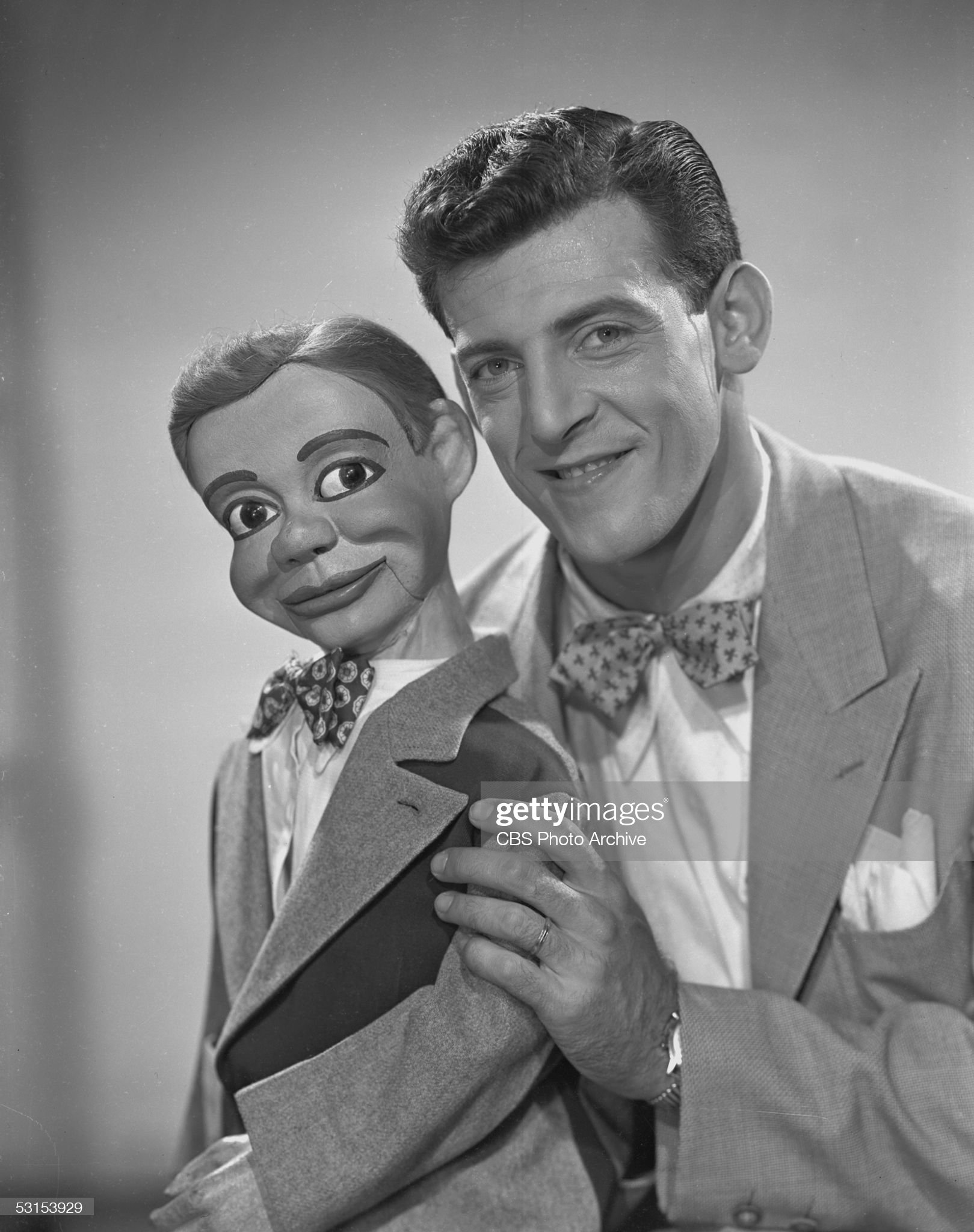 ventriloquist-paul-winchell-with-puppet-