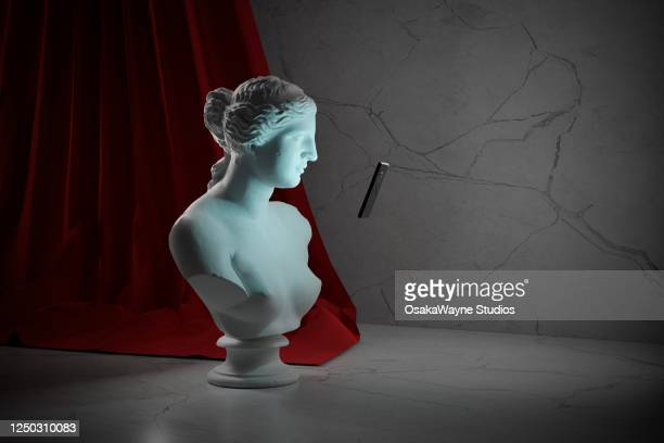 venus de milo screen addiction - statue stock pictures, royalty-free photos & images