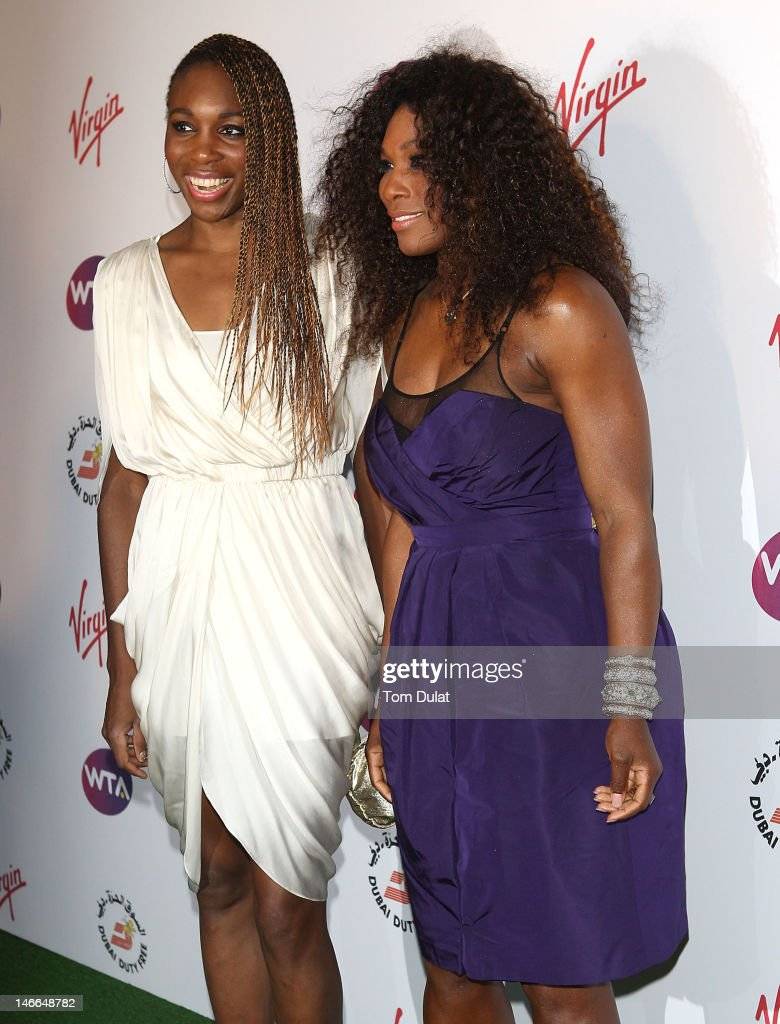 Venus Williams (L) and Serena Williams (R) arrive at the WTA Tour Pre-Wimbledon Party at The Roof Gardens, Kensington on June 21, 2012 in London, England.
