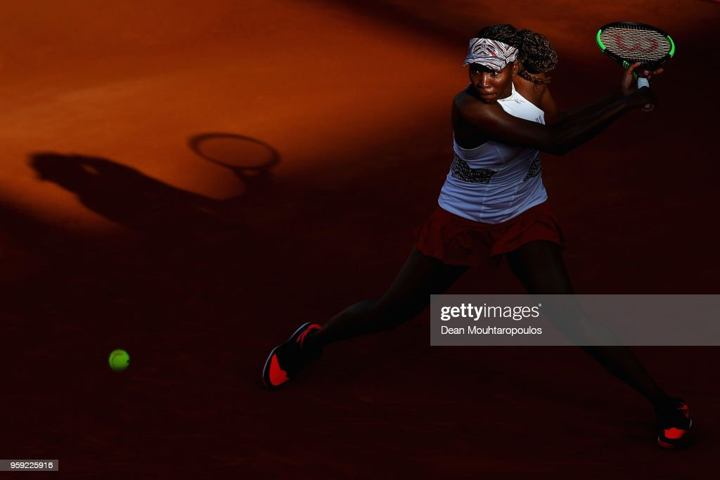 Venus Williams of USA returns a backhand in her match against Elena Vesnina of Russia during day 4 of the Internazionali BNL d'Italia 2018 tennis at Foro Italico on May 16, 2018 in Rome, Italy.