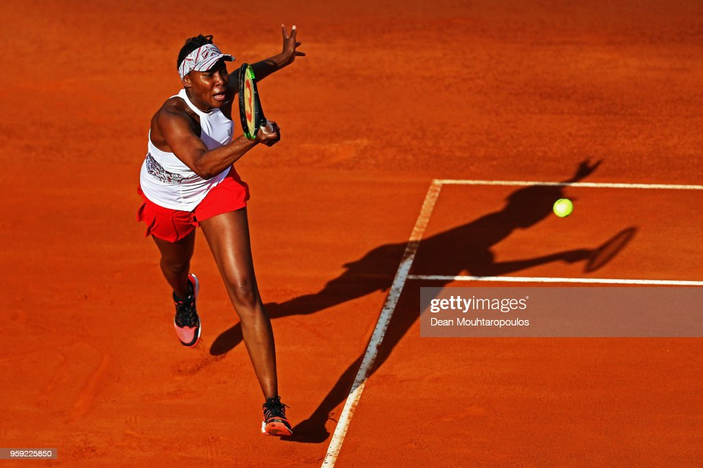 Venus Williams of USA returns a forehand in her match against Elena Vesnina of Russia during day 4 of the Internazionali BNL d'Italia 2018 tennis at Foro Italico on May 16, 2018 in Rome, Italy.