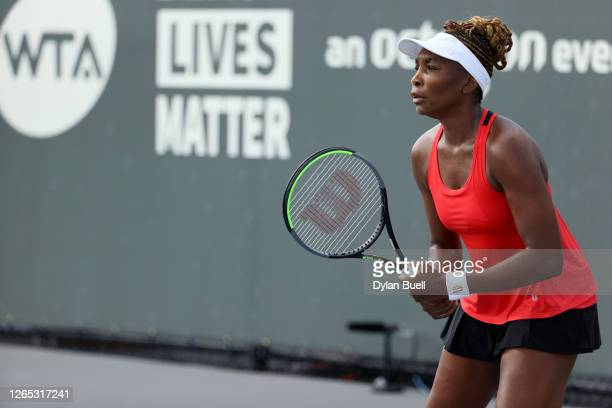 Venus Williams prepares to receive a serve during her match against Victoria Azarenka of Belarus during Top Seed Open - Day 2 at the Top Seed Tennis...