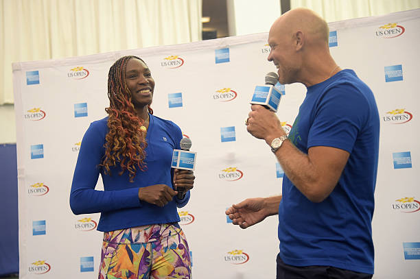 Venus Williams Visits Fans On The American Express Fan Court