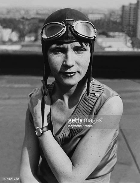 Vera Dawn Walker The Famous Flying Girl In Los Angeles In CaliforniaUsa