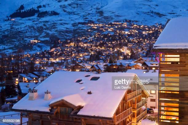 verbier. switzerland - skigebied stockfoto's en -beelden