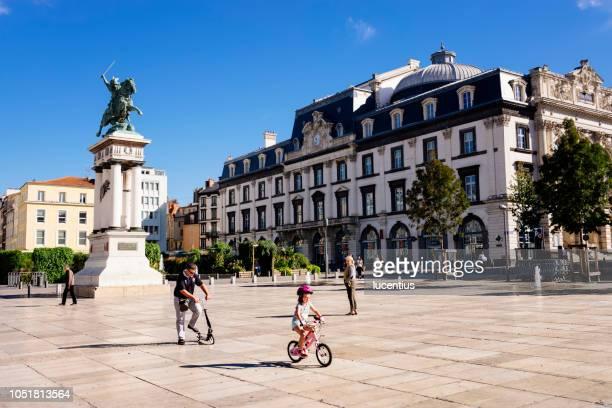 vercingetorix statue, clermont ferrand, france - auvergne stock pictures, royalty-free photos & images