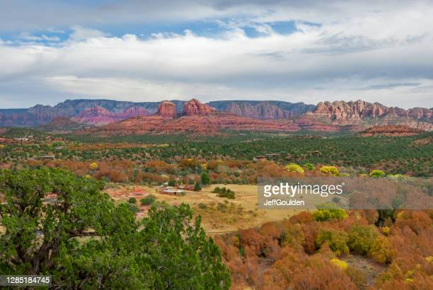 verde valley in the fall - jeff goulden stock pictures, royalty-free photos & images