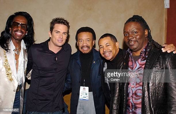 Verdine White Maurice White Ralph Johnson and Philip Bailey of Earth Wind Fire with Mark McGrath
