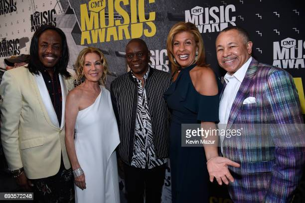 Verdine White of Earth Wind and Fire Kathie Lee Gifford Philip Bailey of Earth Wind and Fire Hoda Kotb and Ralph Johnson of Earth Wind and Fire...