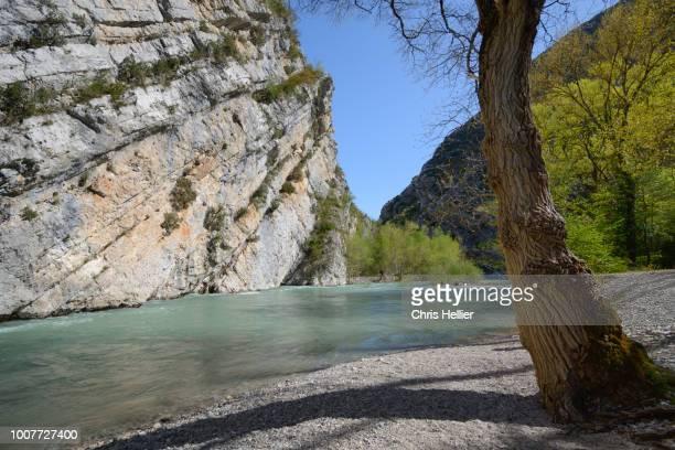 verdon gorge & river in the verdon regional park france - gorges du verdon photos et images de collection