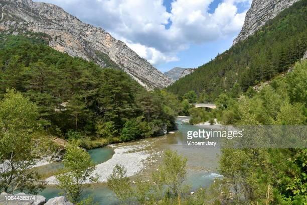 verdon river in south eastern france - gorges du verdon photos et images de collection