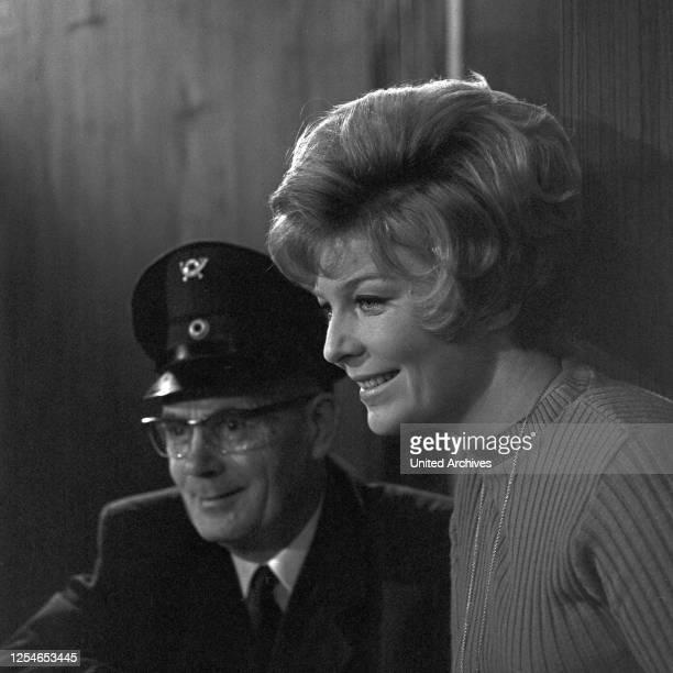 Vergißmeinnicht, Fernsehshow, Deutschland 1966, Briefträger Walter Spahrbier .