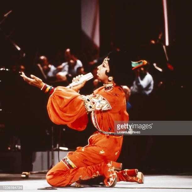 Vergißmeinnicht Unterhaltungsshow mit Peter Frankenfeld Deutschland 1964 Gaststar Josephine Baker