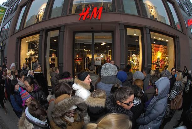 berlin verkauf der the very best of versace for h m kollektion in