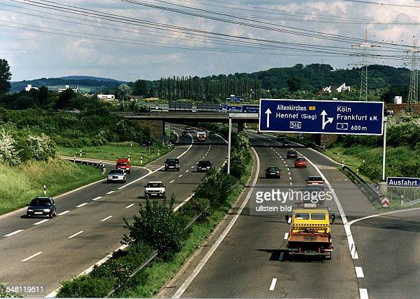 Verkehr auf der Autobahn A 560 in der Nähe von Siegburg 1996