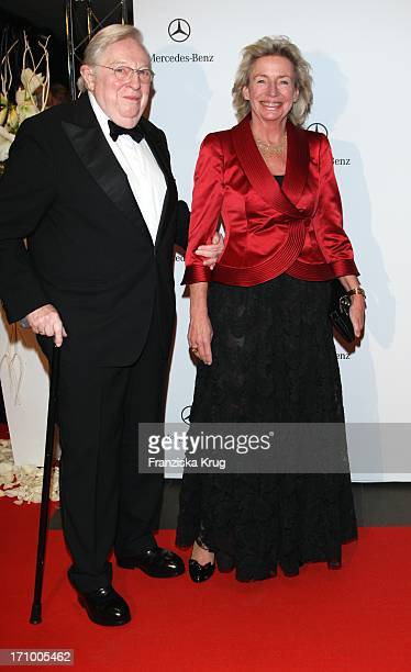 Verleger Angelika Jahr Und Ehemann Rudolf Stilcken Bei Der 15 Festlichen Operngala Für Die Aids Stiftung In Der Deutschen Oper In Berlin Am 081108