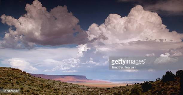 vermillion cliffs seen through notch in foreground - timothy hearsum stockfoto's en -beelden