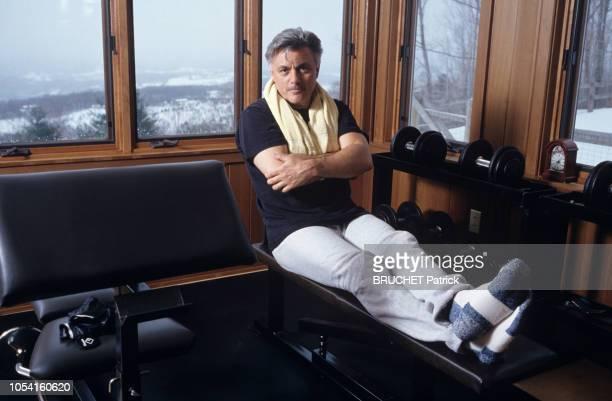 Vermont EtatsUnis 5 avril 1993 Rendezvous avec John IRVING en famille dans sa maison du Vermont avec son épouse Janet et son fils Everett Ici...