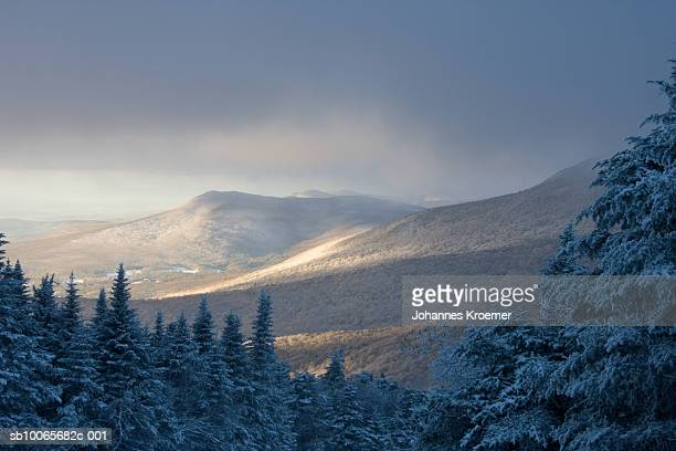 USA, Vermont, Killington, winter landscape