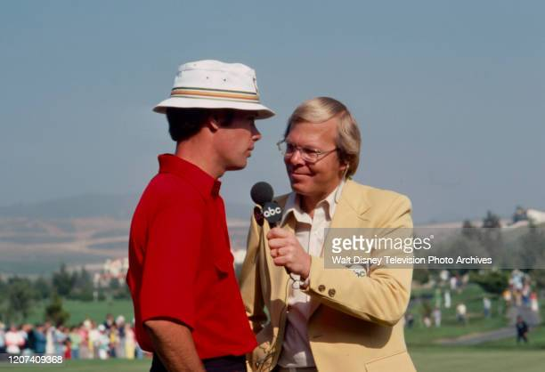 Verne Lundquist interviewing golfer at the 1977 PGA Tournament of Champions ABC Sports coverage