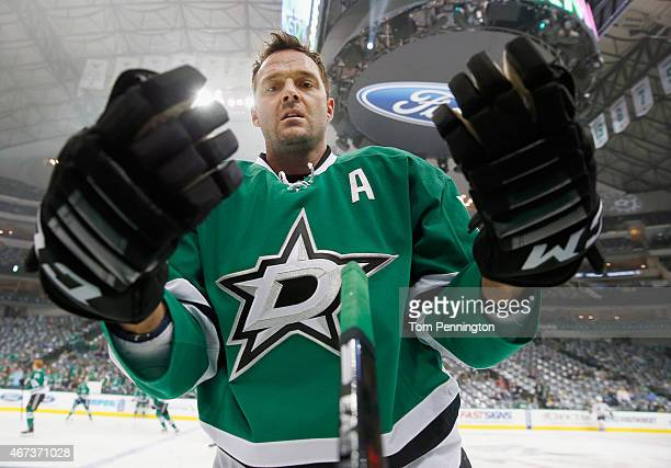 Vernon Fiddler of the Dallas Stars adjusts his gloves during pregame warm up before the Stars take on the Buffalo Sabres at American Airlines Center...