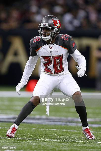 Vernon Hargreaves of the Tampa Bay Buccaneers defends during a game against the New Orleans Saints at the MercedesBenz Superdome on December 24 2016...