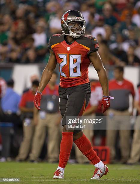 Vernon Hargreaves of the Tampa Bay Buccaneers plays against the Philadelphia Eagles at Lincoln Financial Field on August 11 2016 in Philadelphia...