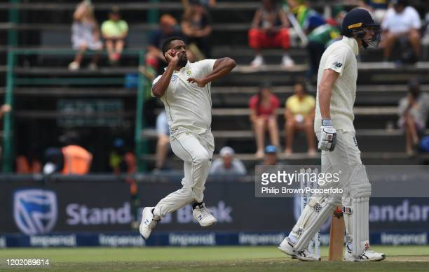 Vernon Philander of South Africa bowls one of only nine balls before going off injured during Day Three of the Fourth Test at the Wanderers between...