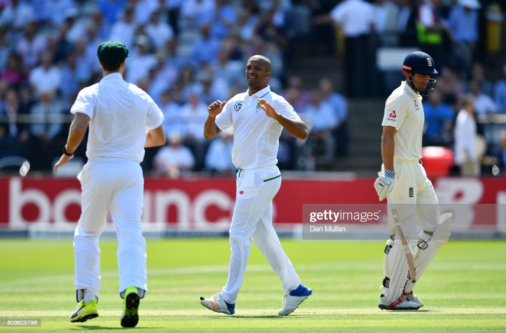England v South Africa - 1st Investec Test: Day One : News Photo