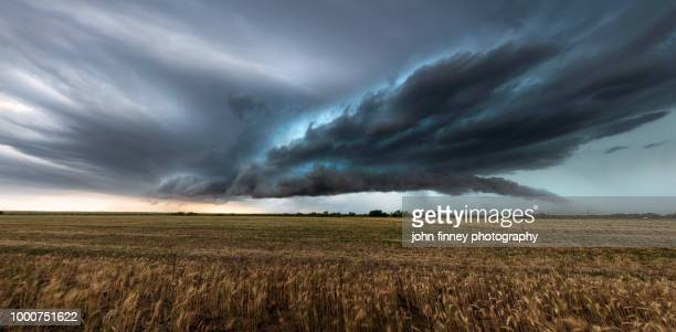 vernon severe thunderstorm structure, texas - great plains stock pictures, royalty-free photos & images