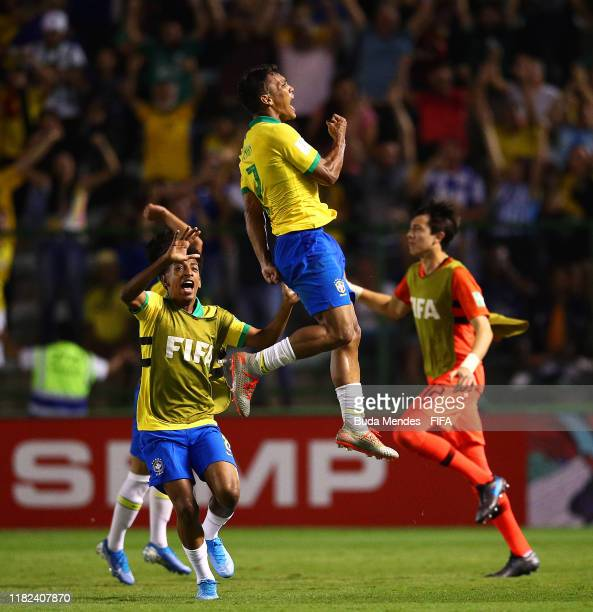 Veron of Brazil celebrates scoring an equalising goal during the FIFA U17 World Cup Brazil 2019 semifinal match between France and Brazil at Estadio...