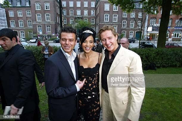 Verona Feldbusch umrahmt von ihrem Verlobten Franjo Pooth und ihrem Manager und ExLebensgefaehrten Alain Midzic Verlobungsfeier von Verona Feldbusch...