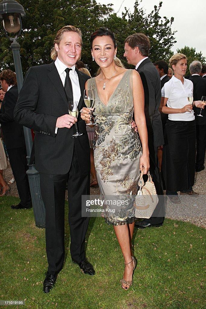 Verona Pooth Mit Ehemann Franjo Bei Der Kirchlichen Hochzeit Von