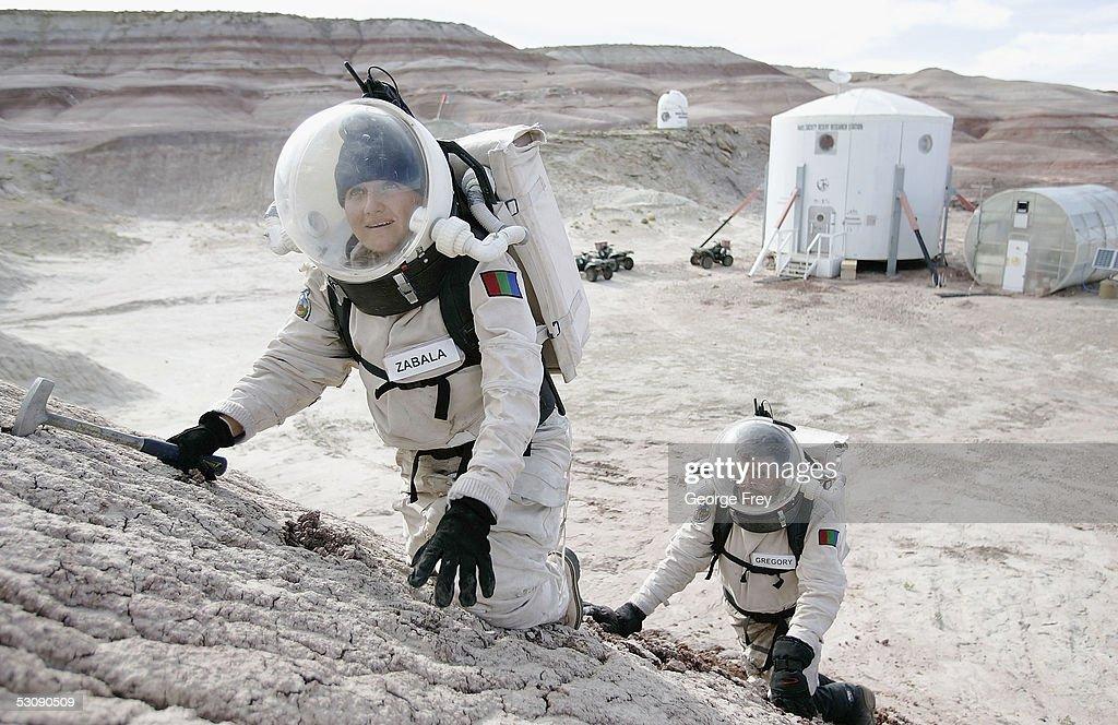 Scientists Simulate Mars In Utah Desert : News Photo
