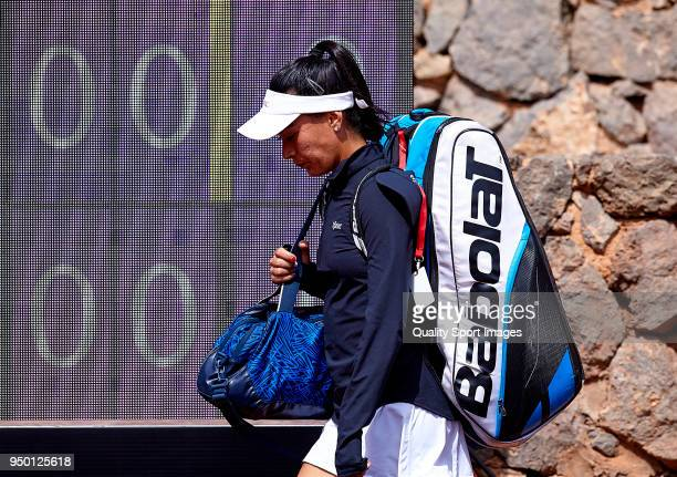 Veronica Cepede of Paraguay arrives on the pitch to play against Garbine Muguruza of Spain during day two of the Fed Cup by BNP Paribas World Cup...