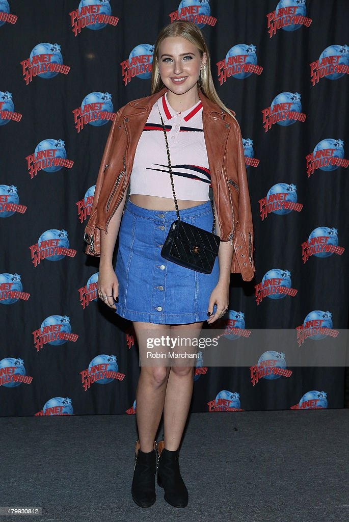 Veronica Dunne Visits Planet Hollywood Times Square