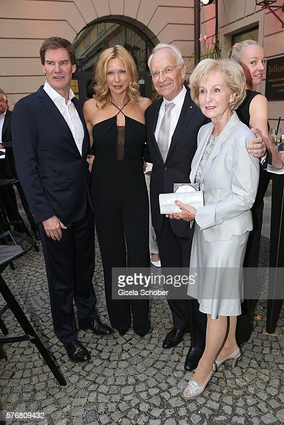 Veronica Ferres and her husband Carsten Maschmeyer Edmund Stoiber and his wife Karin Stoiber during the MercedesBenz reception at 'Klassik am...