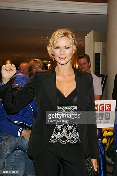 Veronica Ferres Bei Der 'United People Charity Night 2006 Zugunsten PowerChild' Im Hotel Bayrischen Hof In München