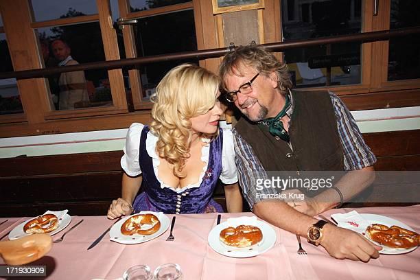Veronica Ferres Und Martin Krug Laden Zum Krug Mediapool Stammtisch Ins Käfer Festzelt Am 200908