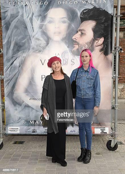 Veronica Forque and Maria Forque attend the 'La Venus de las Pieles' premiere photocall at Matadero de Madrid theatre on May 7, 2014 in Madrid, Spain.
