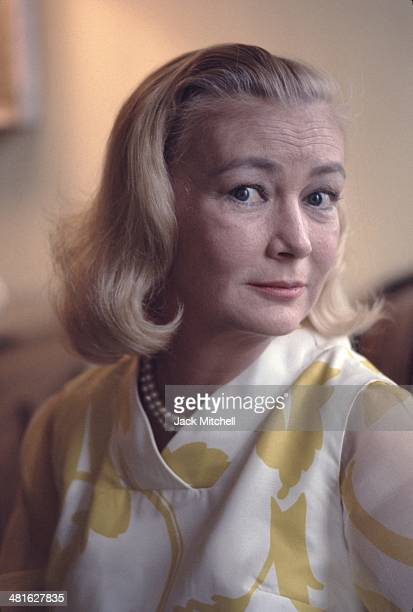Veronica Lake actress famed for her femme fatale roles in the 1940's photographed in her New York City apartment in 1967