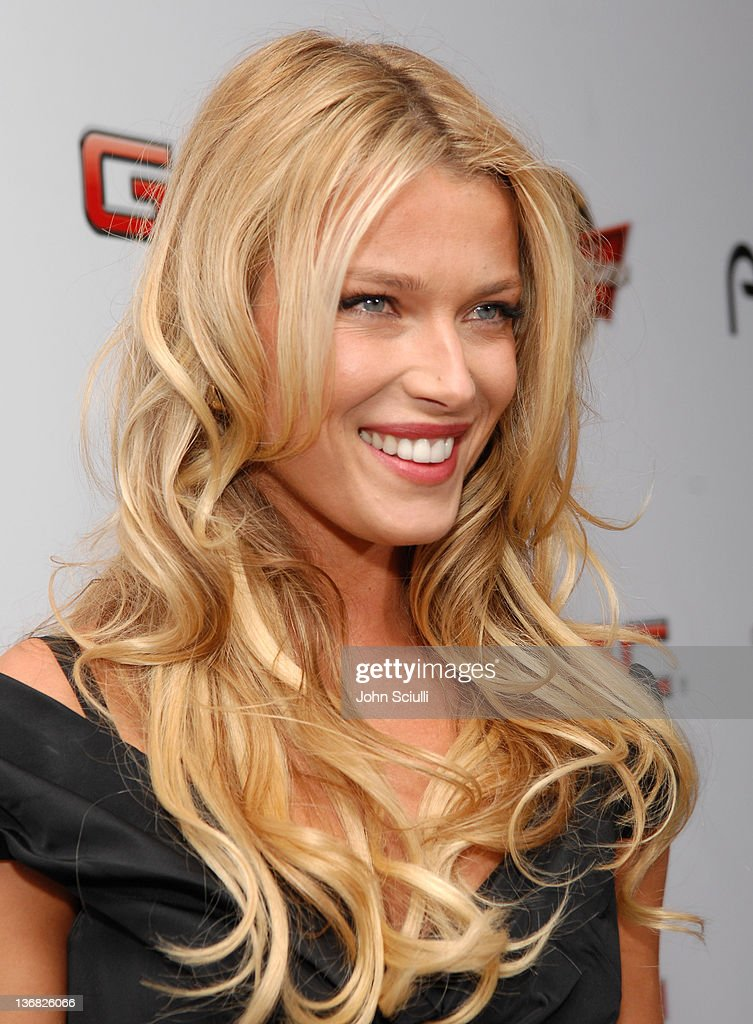 2007 Sports Illustrated Swimsuit Issue - Red Carpet