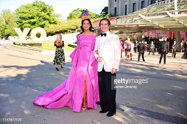 Veronica Webb and Eric Javits arrive to the 2019 CFDA Fashion Awards at Brooklyn Museum on June 3 2019 in New York City
