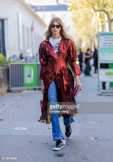 Veronika Heilbrunner outside Ellery on October 4 2016 in Paris France