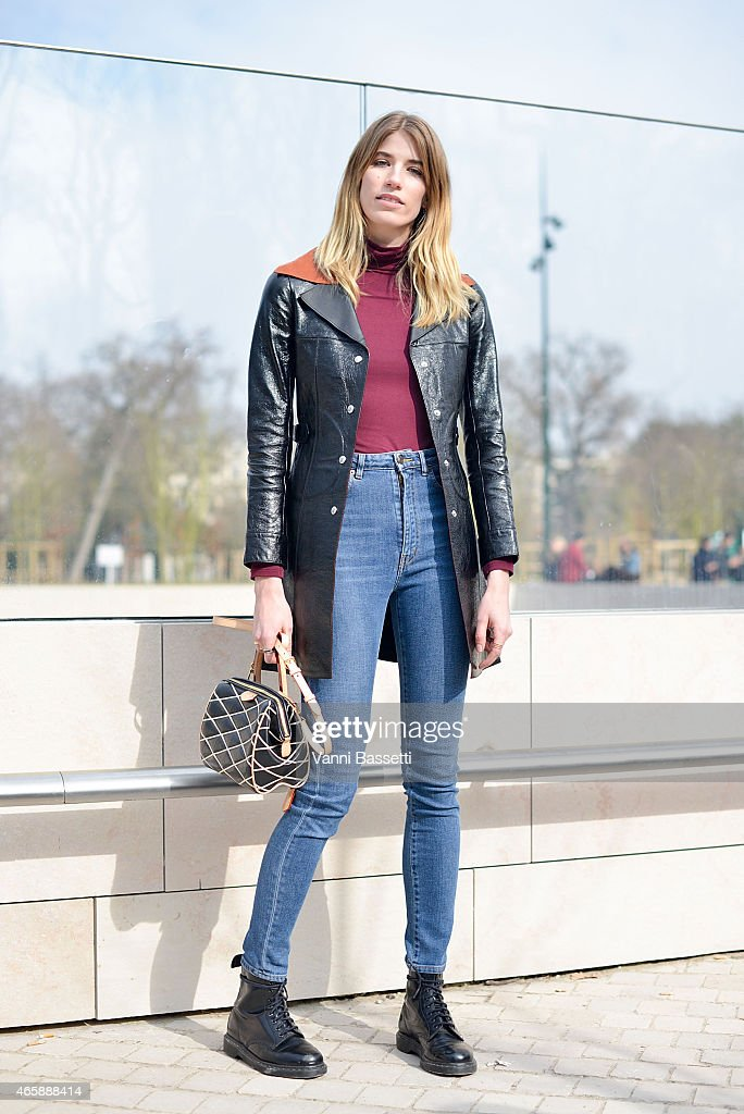 Day 9 - Street Style - Paris Fashion Week - Womenswear Fall/Winter 2015/2016 : News Photo